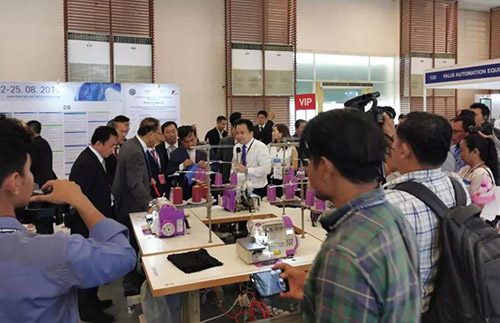 HIKARI industrial sewing machine became a star at Cambodia international textile and garment machinery exhibition 2019