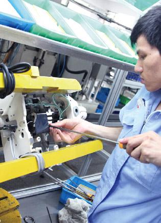 和记下载电脑工业缝纫机研发生产制造车间流水线